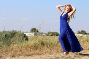 Zwiewne suknie idealnie nadająsię na lato (sxc.hu)